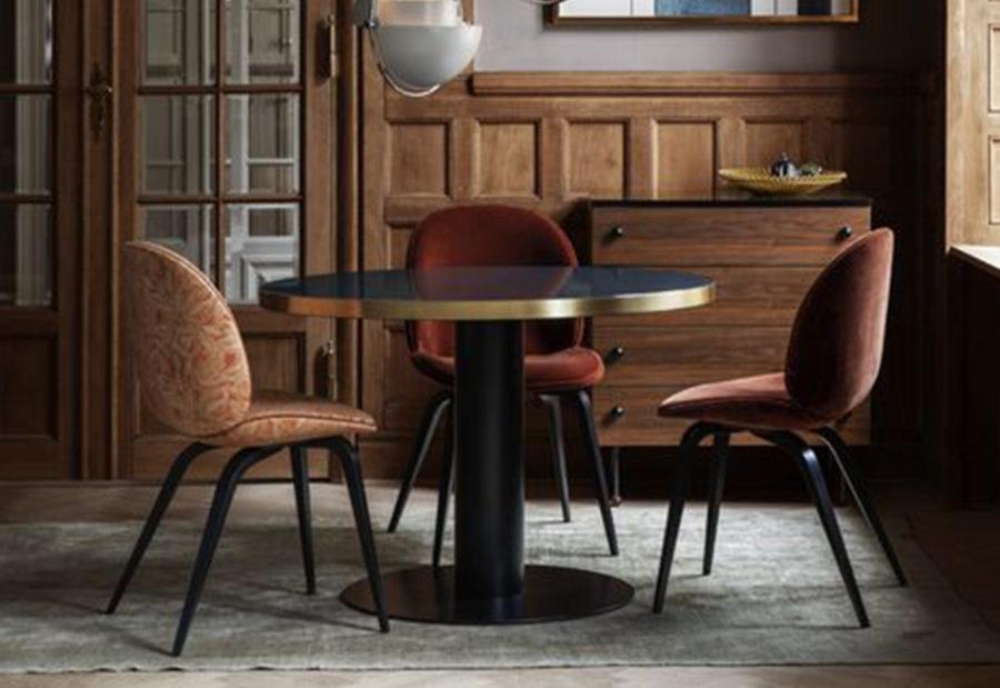 Claude Cartier Chaise Beetle Gubi - Décoration et architecte d'intérieur Lyon